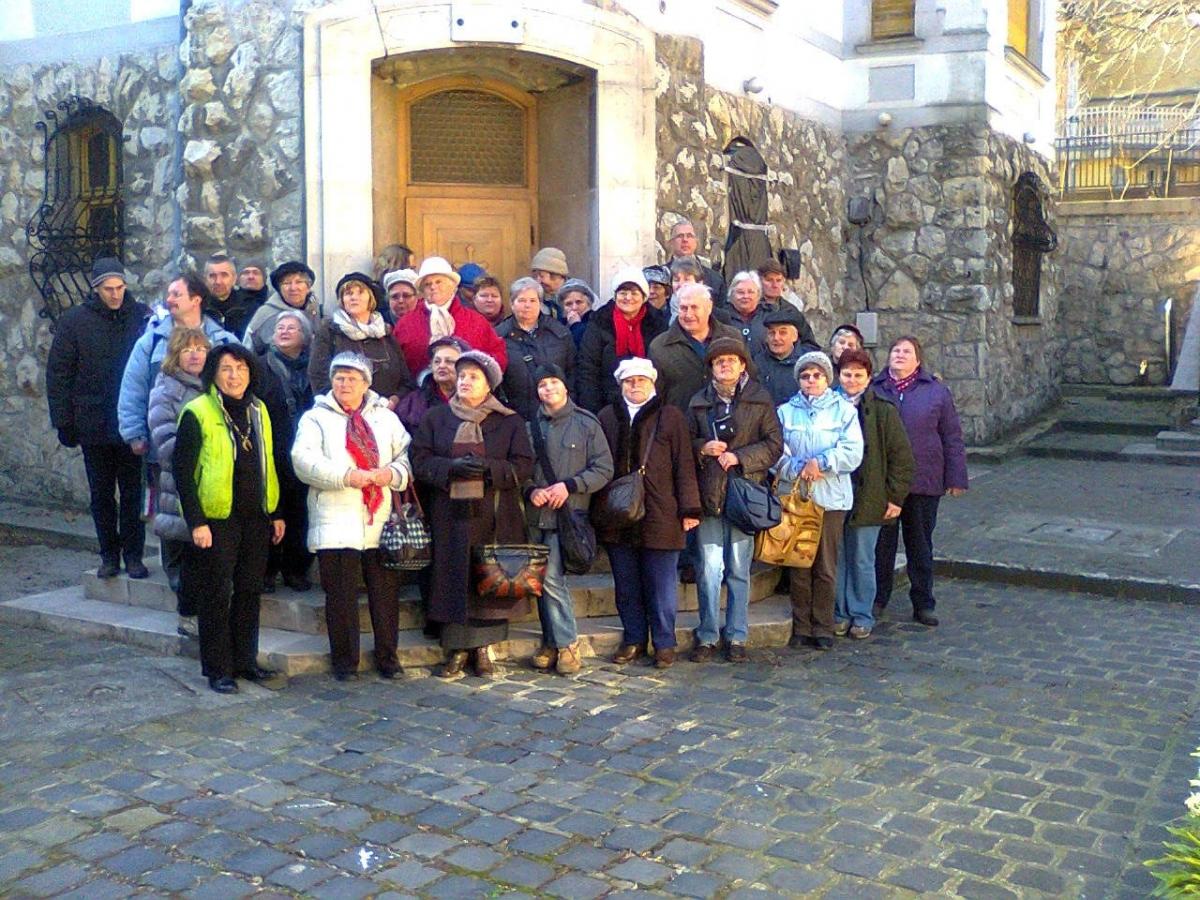 Templomot és közgyüjteményt látogatók